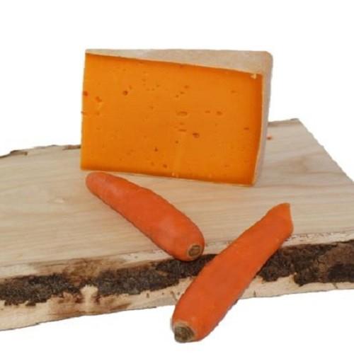 Karottenkäse aus dem Bregenzerwald, Rohmilchkäse, Karotten-käse,