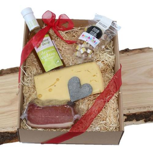 Geschenkbox Schmankerlbox Muttertag, Blümlikäse, Zuckerl, Kokos-Zitrone, Zitronenverbene Sirup, Karree