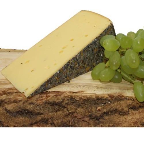 Blümli Wiesen Käse Almblüten Käse aus dem Bregenzerwald Hittisau Schnittkäse