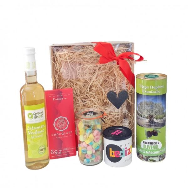 Kulinarisches Geschenkset Olivenöl. Schokolade, Zuckerl, Bedizzy, Sirup Genussbox